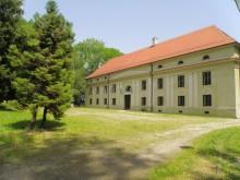 dvorac Lug